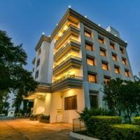 Sun-n-Sand Suites, Shirdi, hotel in Shirdi