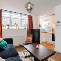 The Nook Tower Bridge- Sleeps 4 with free WIFI