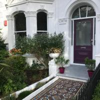 Victorian apartment 5 mins from the sea