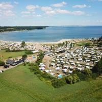 Vikær Strand Camping & Cottages, hotel in Diernæs