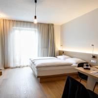 Calva B&B Apartments, hotel a Malles Venosta