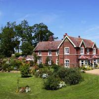 Earsham Park Farm, hotel in Bungay