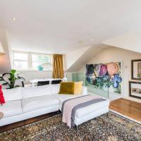 Unique 2bed flat in iconic Portobello Rd w terrace