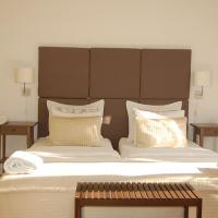 Suite,2 bathrooms,balcony