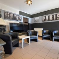 Modern Holiday Home with Jacuzzi and Sauna in Ardennes, hotel in Lierneux