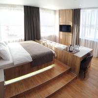 F911 Яхт Клуб Отель, отель в Екатеринбурге
