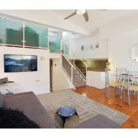 Top Floor Apartment Steps To Darling Harbour & ICC