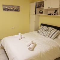 COZZY STUDIO IN NEA MAKRI, hotel in Nea Makri