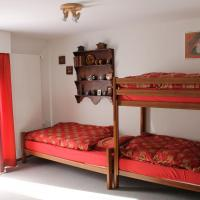Big flat in the heart of Valais, hotel in Martigny-Combe
