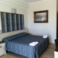 Hotel Chopin, viešbutis mieste Fjumičinas