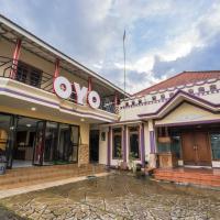 OYO 564 Bunga Matahari Guest House And Hotel, hotel in Batu