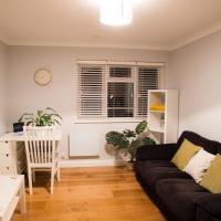 Close to Basingstoke Town Center - Cosy Apartment