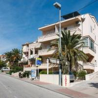Apartments by the sea Makarska - 16720
