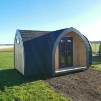 Camping Pods, Seaview Holiday Park, hotel in Whitstable