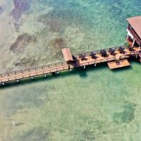 The Real Kings Resort, hotel in Roatán