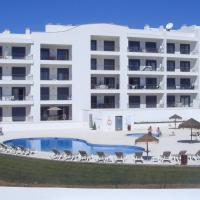 Vista das Ondas T2 with Pool Ténis Court, hotel in Olhos de Água
