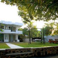 villa layanga - riverside guestrooms, hotel in Aluthgama