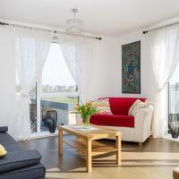 Luxurious Addenbrookes Apartment with Balcony & Parking & Sleeps 6