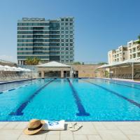 ApartHotel Okeanos on the Beach, hotel in Herzliya