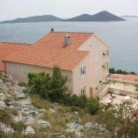 Apartments by the sea Drage, Biograd - 6171, hotel in Drage