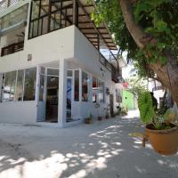 Liberty Guest House Maldives, hotel in Mahibadhoo