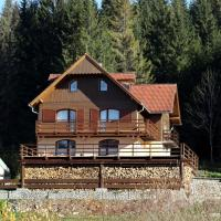 Penzión Ľadová, hotel in Stratená