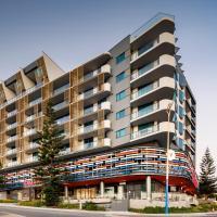 Ramada by Wyndham VetroBlu Scarborough Beach, hotel v mestu Perth