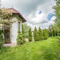 Domek na końcu świata, hotel in Szymbark