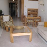 V200- 1 bed apartment by Shirley Dunne- Victory Village, hotel em Almancil