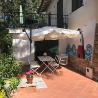 Casa al mare 'Il Faro', hotel in Quercianella