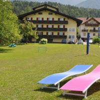 Pension Piovesan, hotel in Faak am See