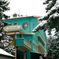 Hotel Fiordigigli, hotel in Assergi