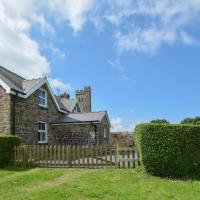 Comfortable Holiday Home in Walwyn's Castle with Garden