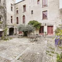 Beautiful 4-rooms with view on the Popes Palace in Avignon