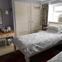 UPTHEDOWNS B&B, hotel in Sevenoaks