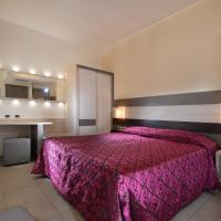 Hotel Siena, хотел в Верона