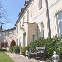 Wohnung für 4 Personen im Schloss Neuhausen, Hotel in Berge