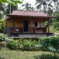 Bali mountain forest cabin,Penebel的飯店
