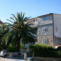 Apartments with WiFi Makarska - 6842