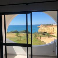 Algarve Amazing sea view apartment, hotel in Lagoa