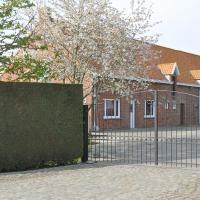 Holiday Home Hulstehof, hotel in Ruiterhoek