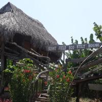 Sunny Field Eco Stilt House, hotel in Cat Tien
