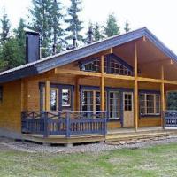Holiday Home Korpilahti, hotel in Tiirinlahti