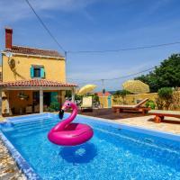 Holiday Home Villa Mare, hotel in Sveti Jakov