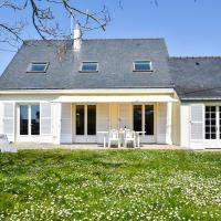 Serene Holiday Home in Penestin with Garden