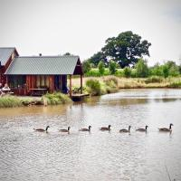 The Lake House @ Langford Court, hotel in Cullompton