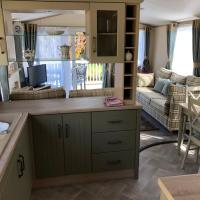 New 2019 riverside static caravan, hotel in Cheddar