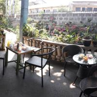 cv bed n bath san juan, hotel in Dalumpinas Oeste