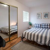 Charming 2BR Casita in Front of Park
