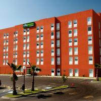City Express Junior Tijuana Otay, hotel cerca de Aeropuerto internacional de Tijuana - TIJ, Tijuana